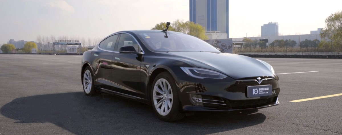 Hackers trick a Tesla into veering into the wrong lane
