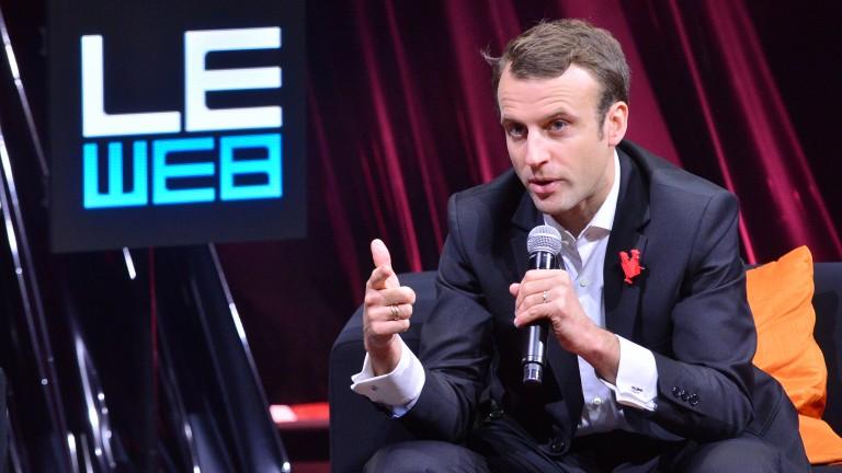 Photo of Emmanuel Macron talking