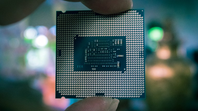 A Intel i5 processor