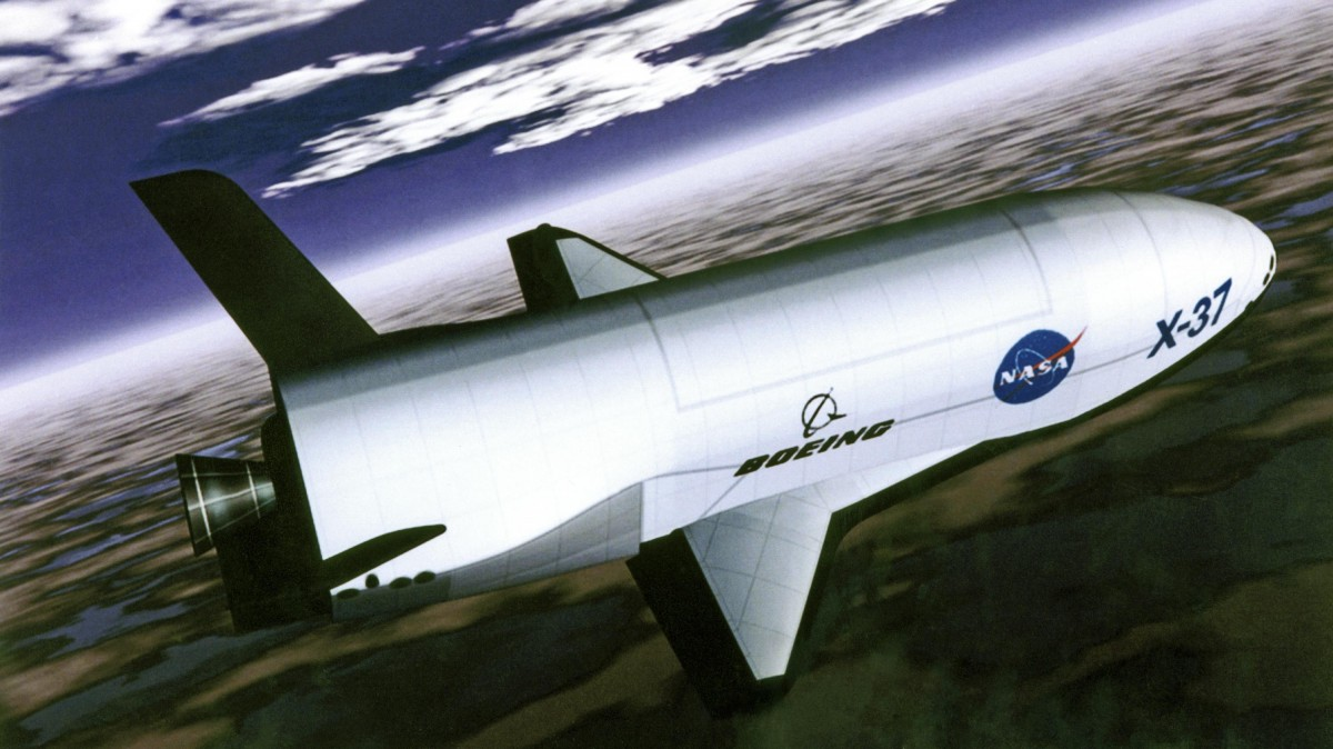 The US Air Force's shadowy X-37B space plane has broken a spaceflight record
