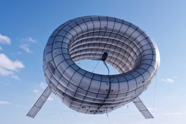 MIT alumni develop airborne wind turbine that floats 1,000 feet aloft to capture stronger, steadier winds.