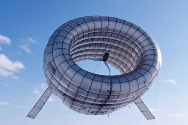 MIT alumni develop airborne wind turbine that floats 1,000 feet aloft to capture stronger, steadier winds.