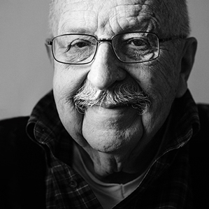Black and white portrait of Gene Wolfe