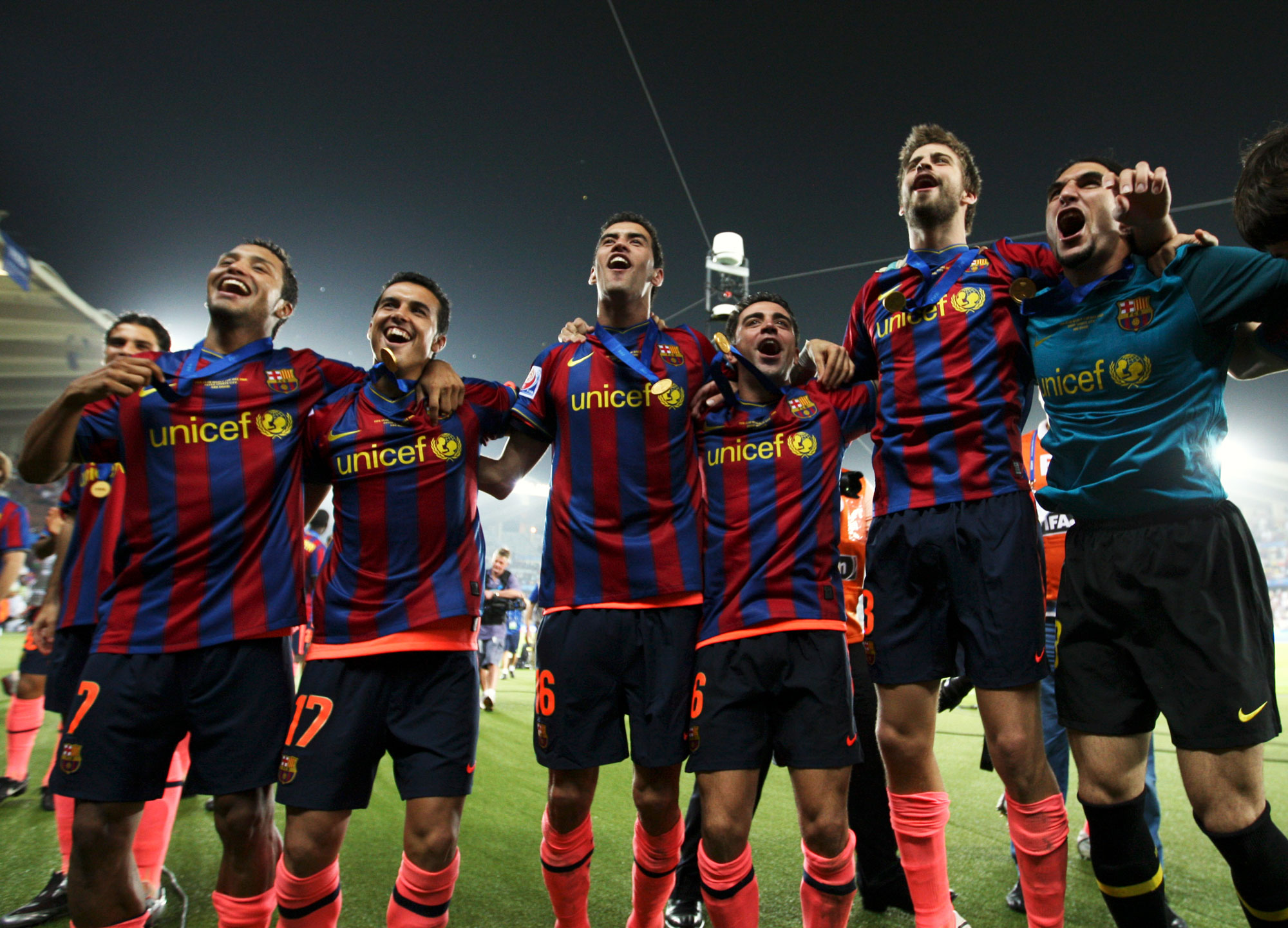 Network science reveals the secrets of the world's best soccer team