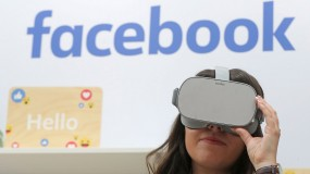 A woman wears Oculus headset at Dublin tech summit