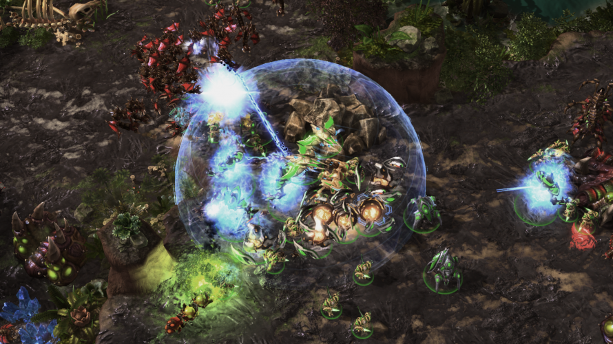 AlphaStar dealing with flying units from the Zerg players with a combination of powerful anti-air units.