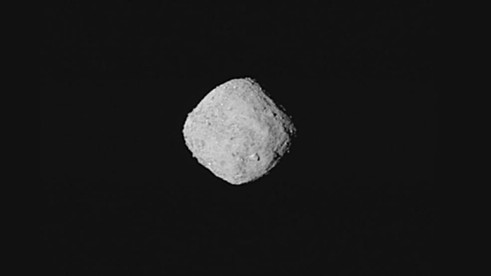 An image of asteroid Bennu in space