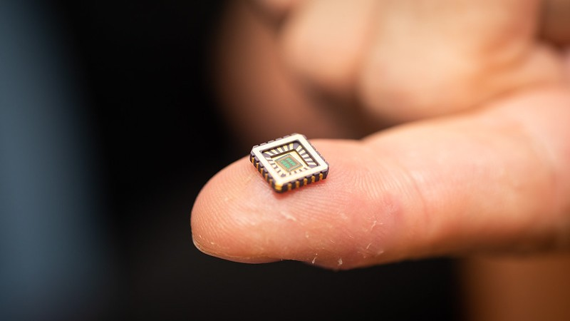 A silicon chip that mimics the brain's neurons could help fight paralysis