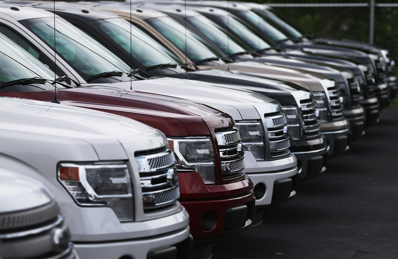 Cheap Car Lots >> Cheap Gas And Big Cars Are Killing Obama S Fuel Economy Push Mit