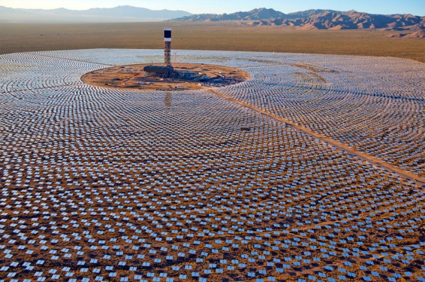 Aerial view of Unit 1 and its heliostats at the Ivanpah Solar Project
