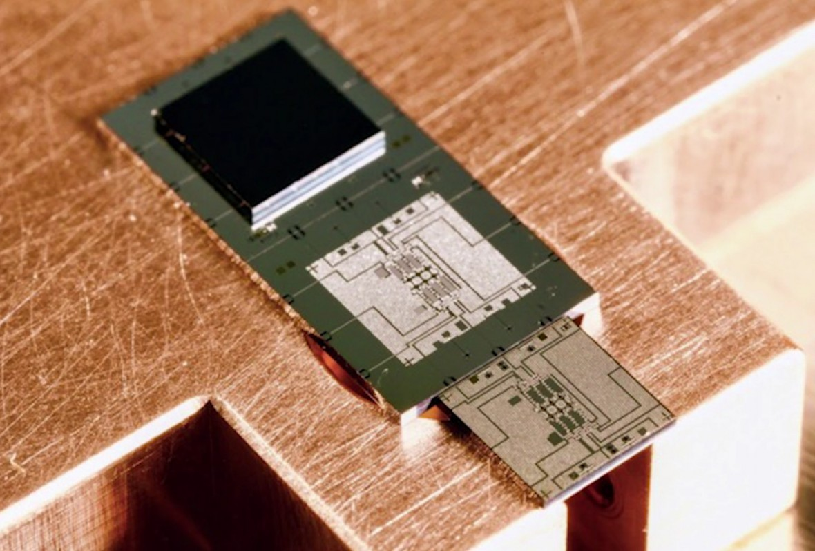 Googles new chip is a stepping stone to quantum computing supremacy googles new chip is a stepping stone to quantum computing supremacy mit technology review malvernweather Gallery