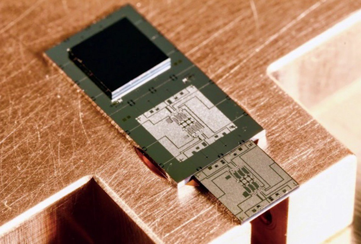 Googles New Chip Is A Stepping Stone To Quantum Computing Supremacy Real Lifelike Representation Of The Circuit Get Better Look Intelligent Machines