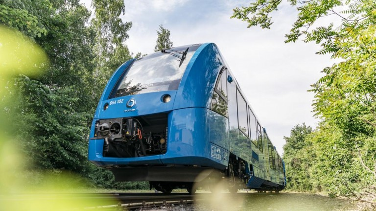 Image of a blue hydrogen powered Alstom train.