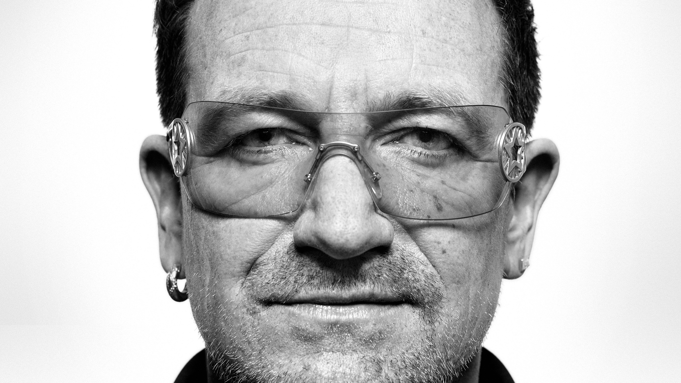 Bono Sings the Praises of Technology - MIT Technology Review