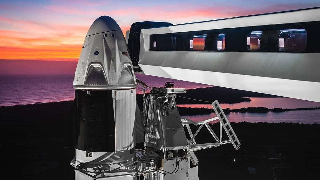 Image of the SpaceX crew module and walkway.