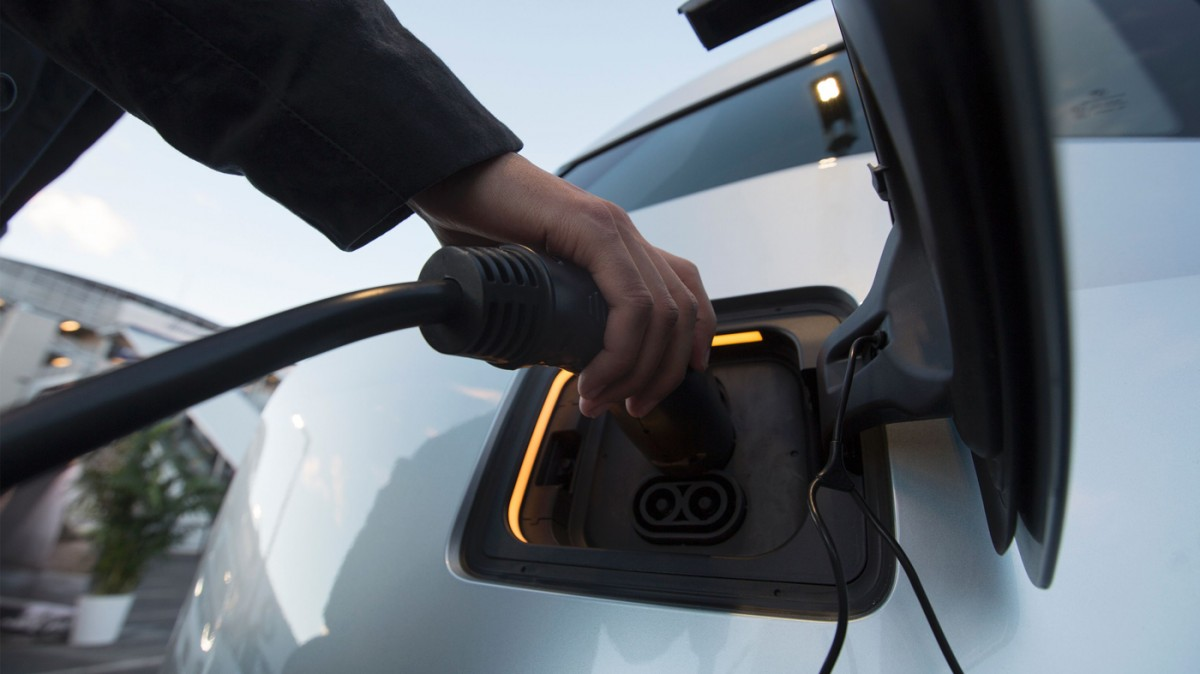 Here S How To Speed Up The Electric Car Revolution Mit