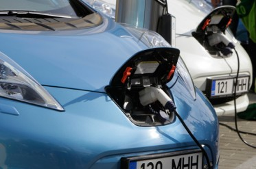 How Improved Batteries Will Make Electric Vehicles Competitive