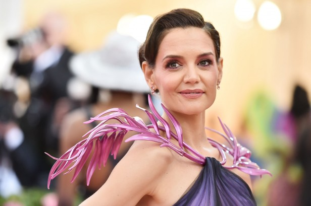 An image of Katie Holmes in a 3D printed collar