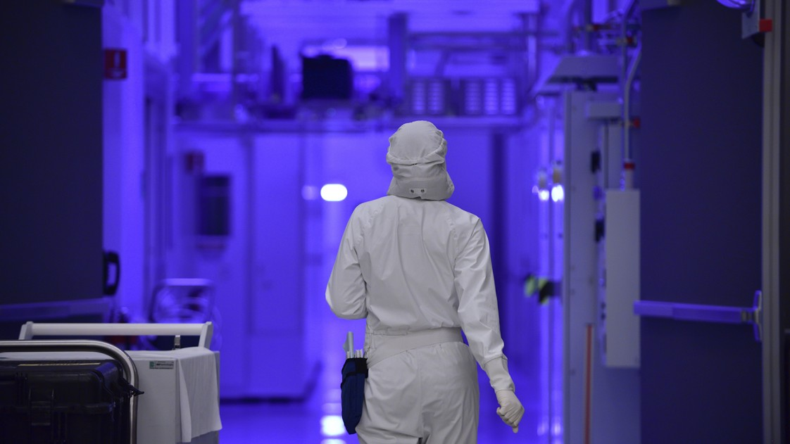 Inside an Intel fabrication facility
