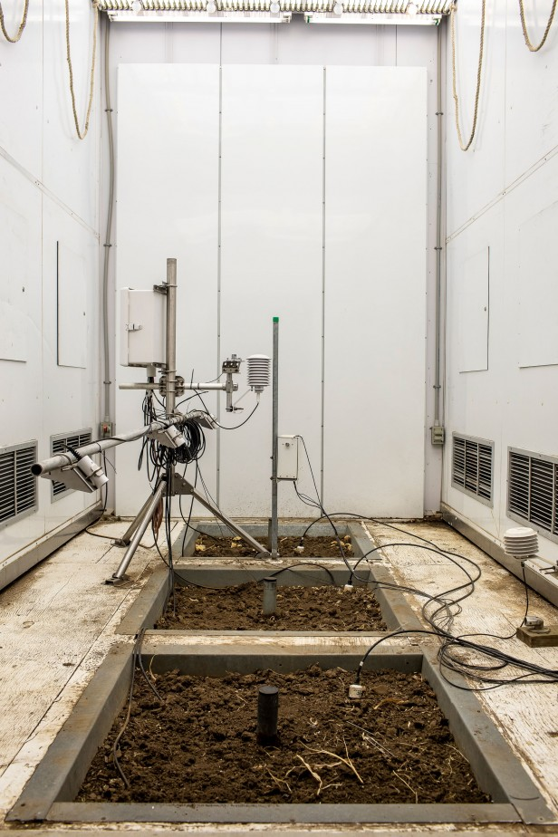 Photo of a crop growth chamber