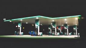 A dumb gas station