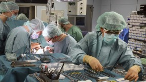 Doctors working on a transplant