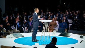 Macron at the Peace forum