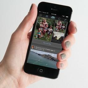 memoir app on smartphone