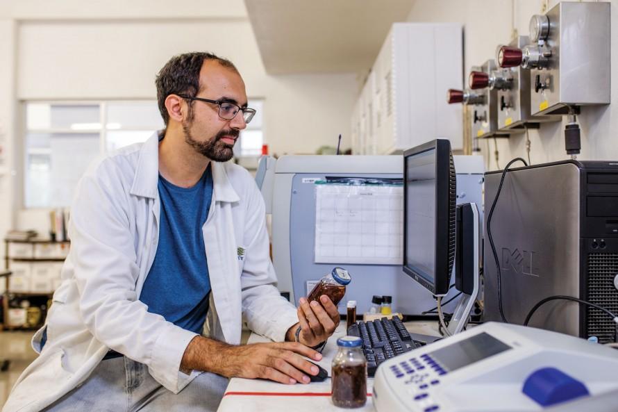 Photo of David Valero in his lab