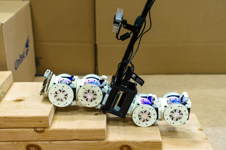 A snake-shaped robot consisting of multiple modules
