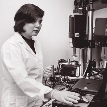 Kristin Myers in lab