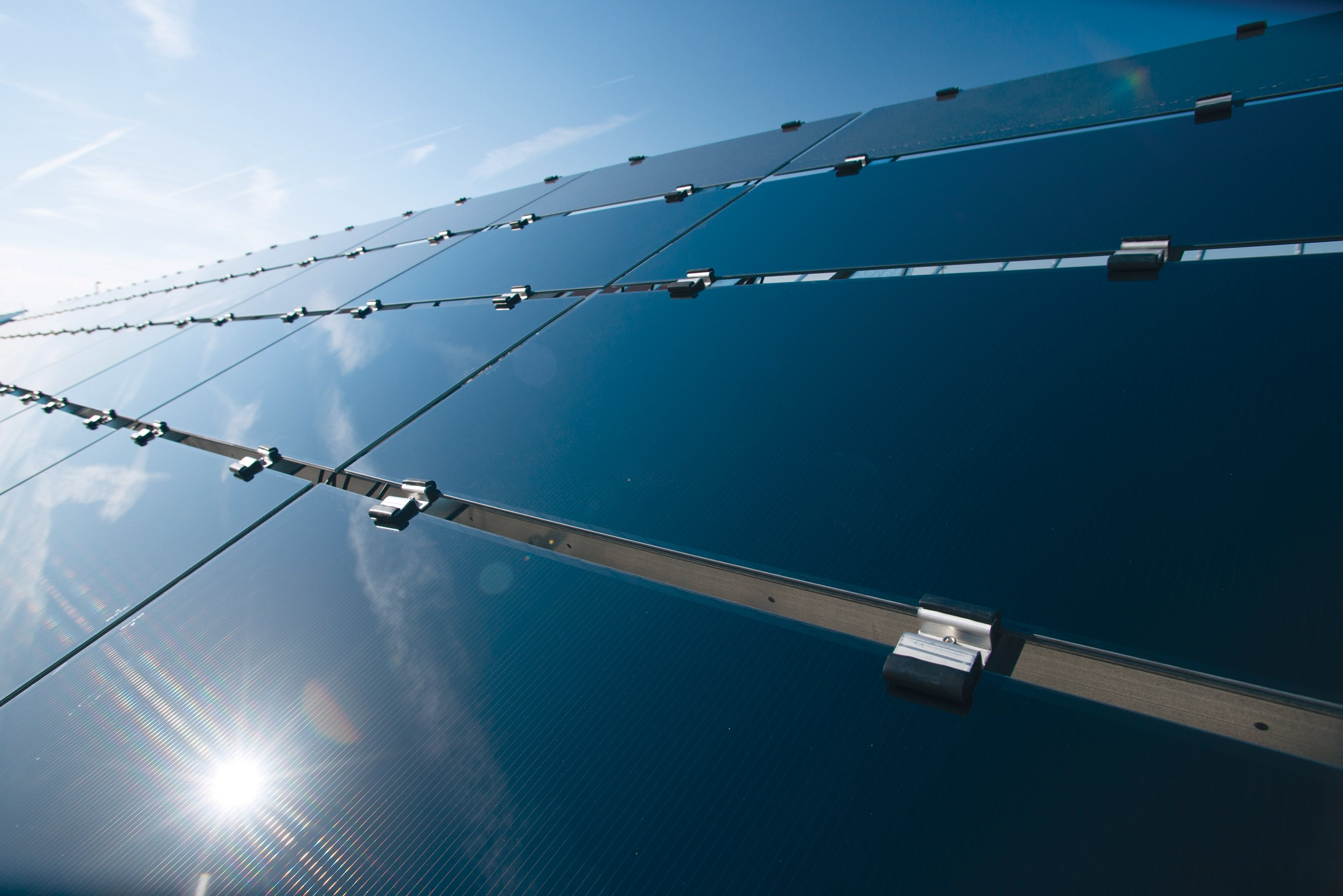 First Solar's Cells Break Efficiency Record - MIT Technology