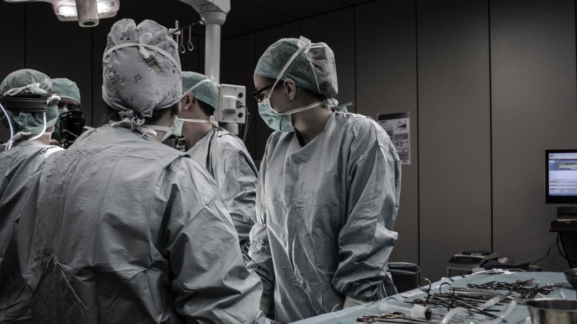 Surgeons working