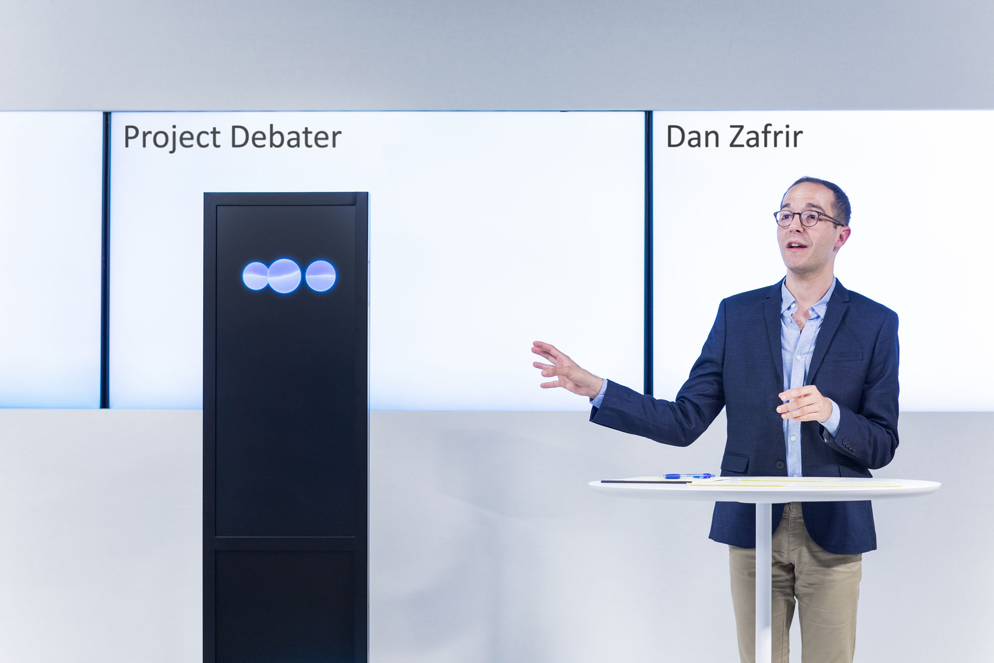 This AI program could beat you in an argument—but it doesn't know what it's saying