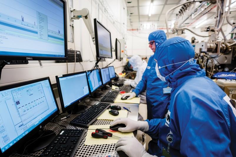 Computers Technology: Practical Quantum Computers: 10 Breakthrough Technologies