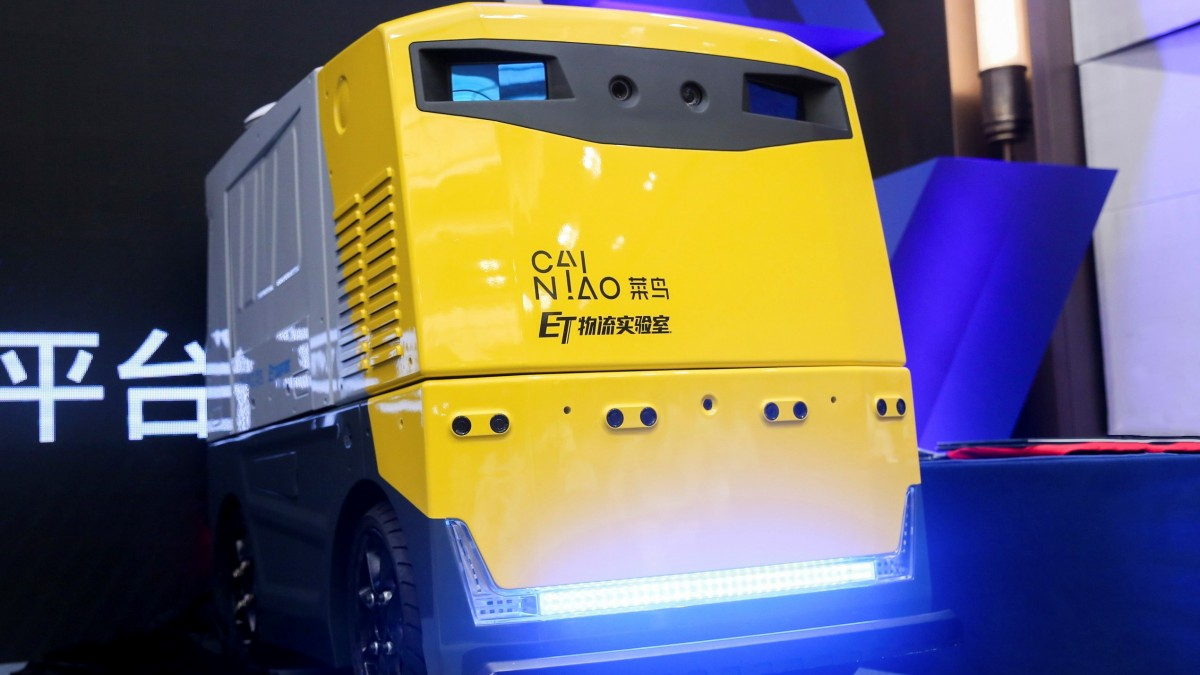 Alibaba is testing a delivery robot with a revolutionary pair of eyes