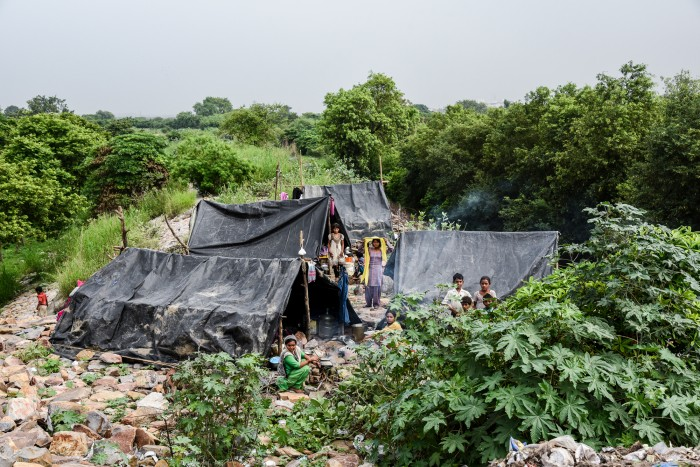 Image of a makeshift tent city on the Yamuna river