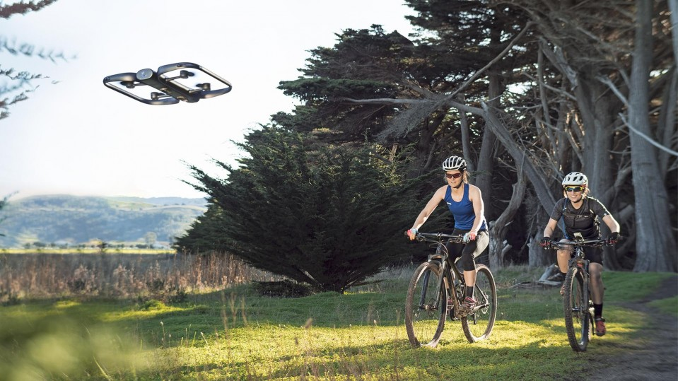 Drones that dodge obstacles without guidance can pursue you like