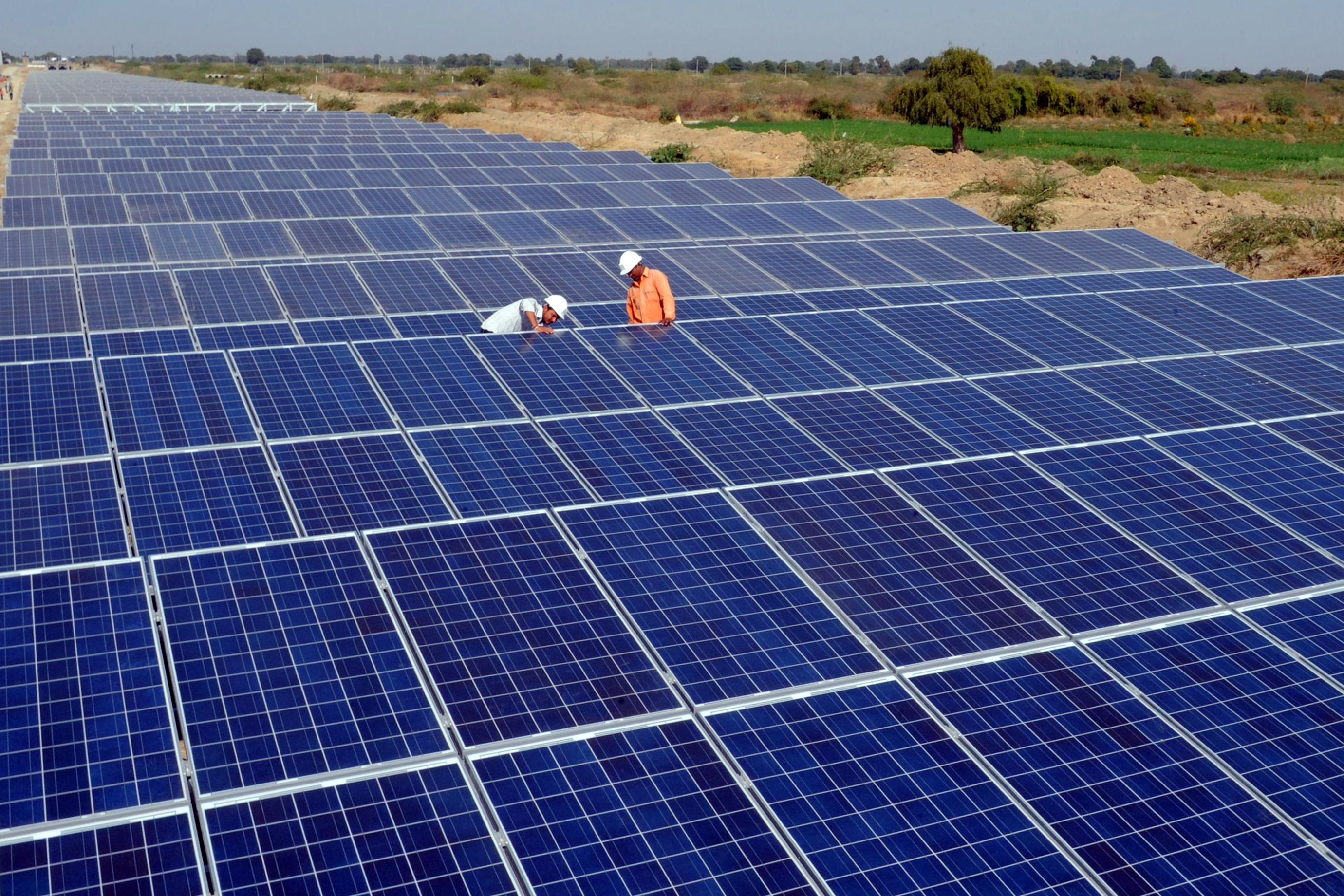 Vivint solar reviews california - Watching Sunedison S Collapse Solar Industry Resets Mit Technology Review