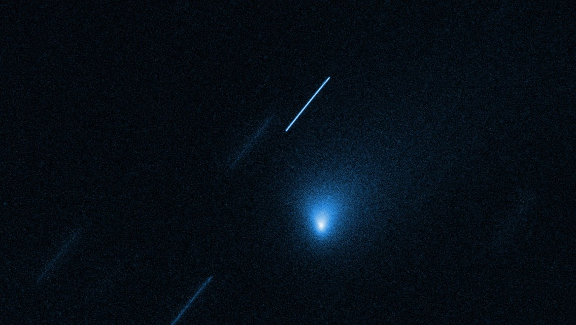 Watch interstellar comet 21/Borisov hurtle through space in this Hubble time-lapse