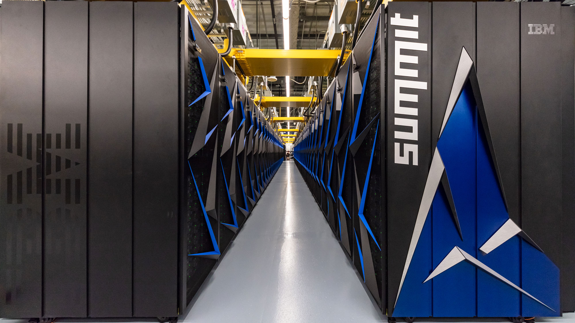 At 200 petaflops, the USA  once again owns the world's fastest supercomputer