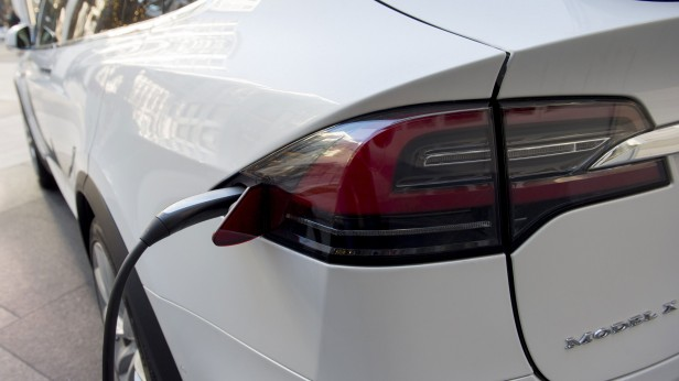 How America's Electric-Car Market Could Get Stuck in the Slow Lane