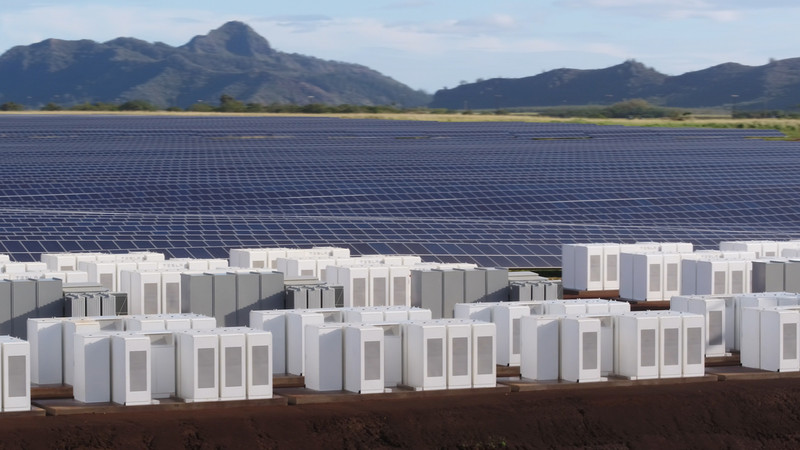 Solar panels and batteries on Kauai