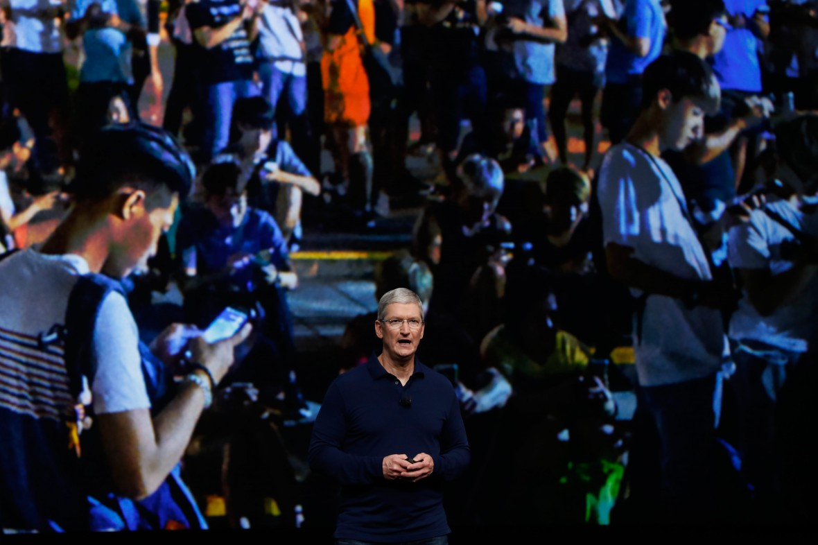 Apple's $1 Billion Manufacturing Boost Will Likely Bring Robots, Not Factory Jobs