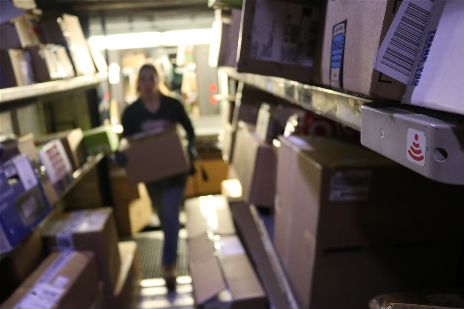 How Ups Delivers Faster Using 8 Headphones And Code That Decides