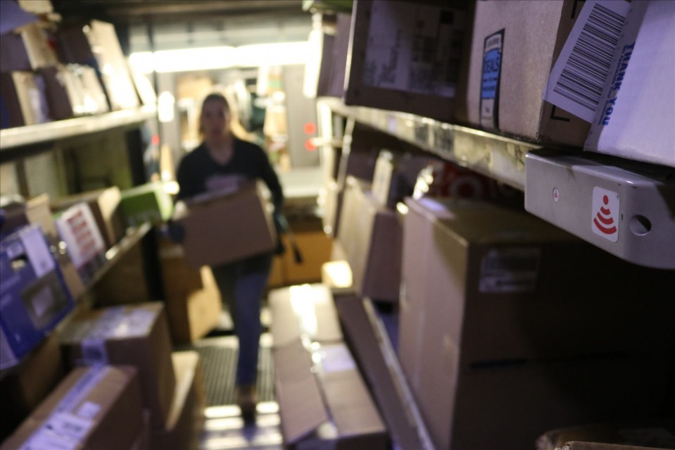 How UPS delivers faster using $8 headphones and code that