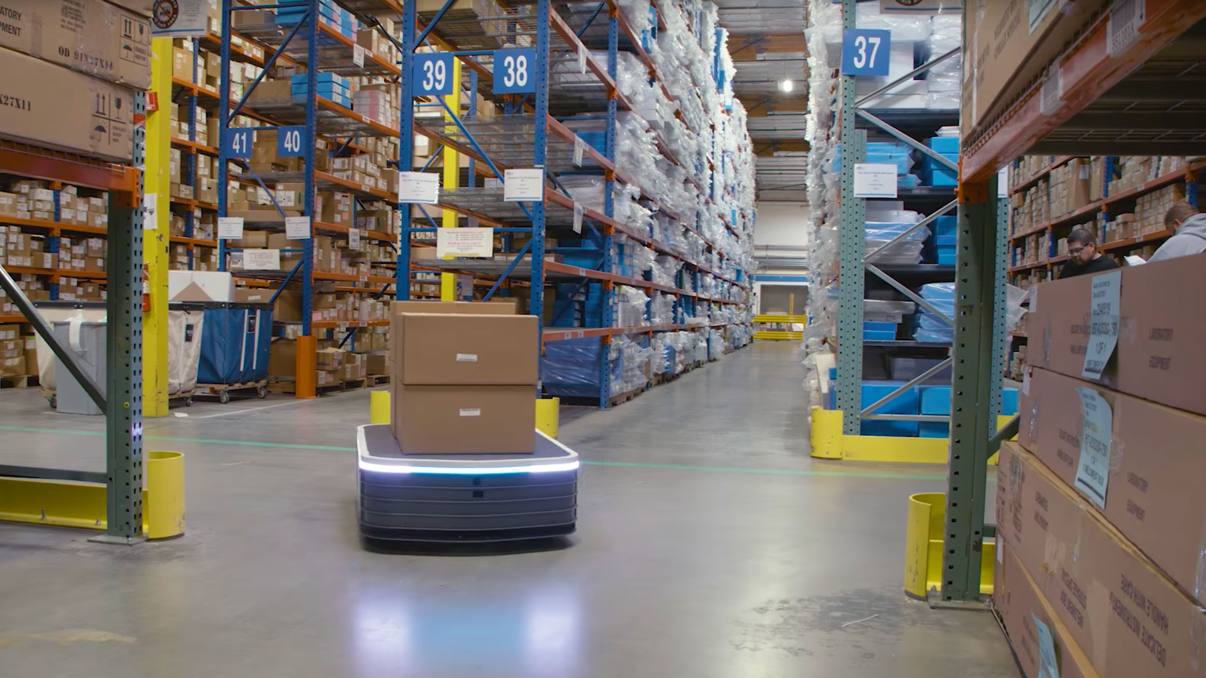 This Robot Will Haul Up to 1,500 Kilos Around a Warehouse