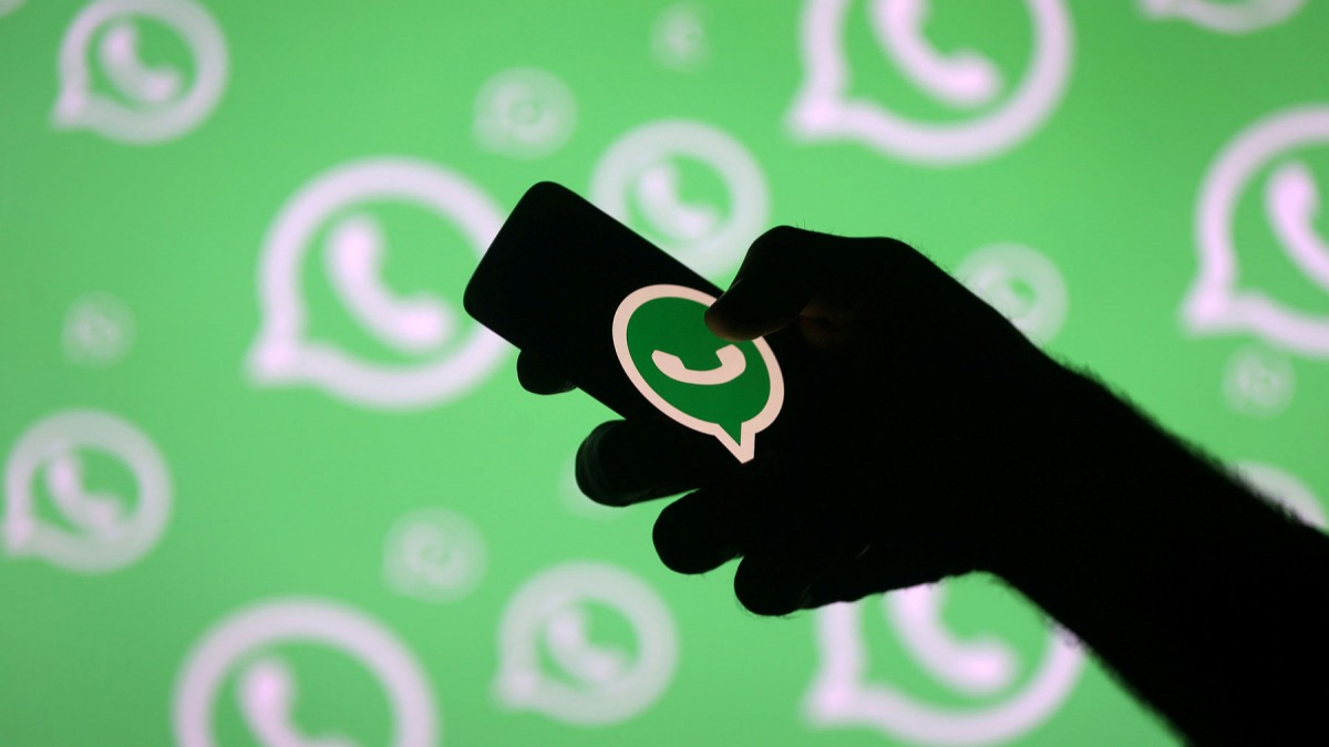 WhatsApp is banning you from forwarding the same message to more than five people